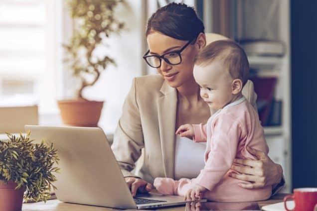 Jeune parent et en portage salarial, une bonne soltuion
